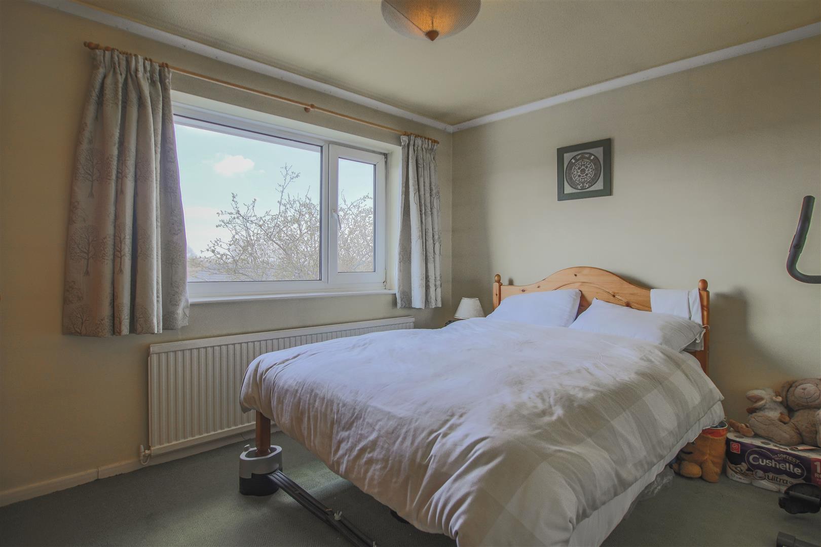 4 Bedroom Detached House For Sale - 10.JPG